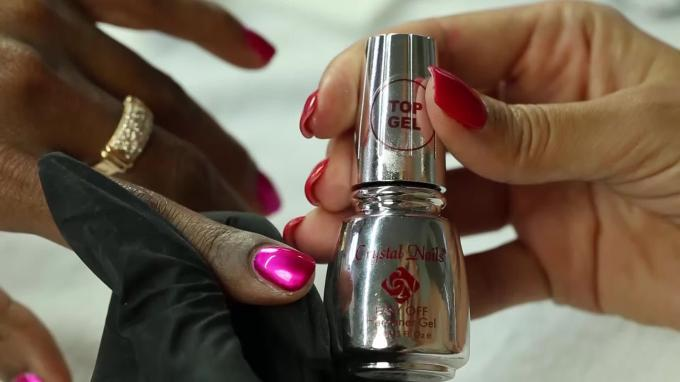 Proper application technique of the Chro°Me CrystaLac gel polish