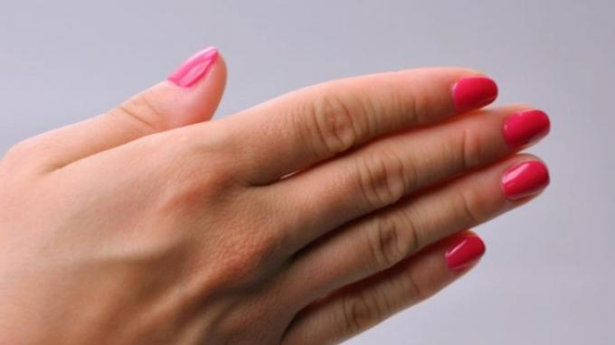 The official technique of using CrystaLac - Gel polish
