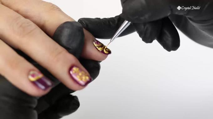 Nail Art with Baroque Gel and Baroque Stickers