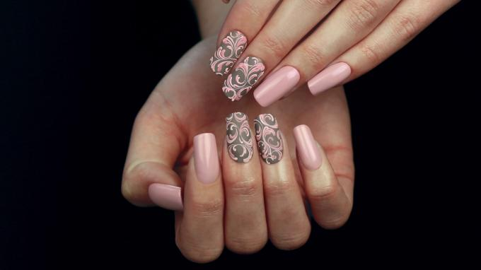 Baroque Nail Art