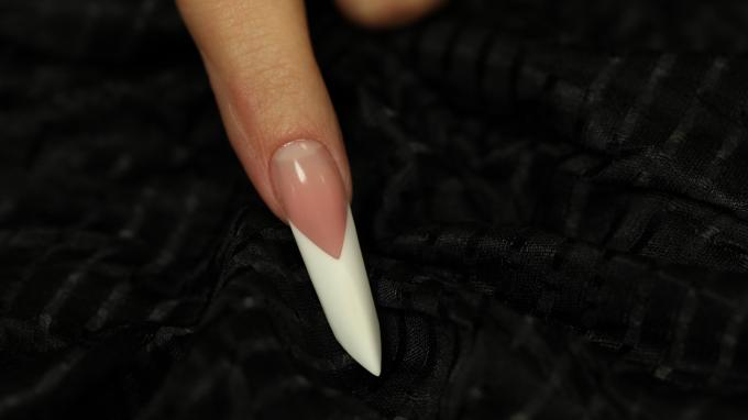 Edge nail with gel