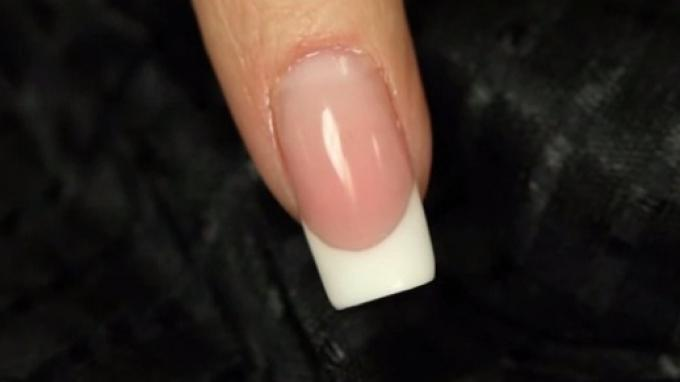 Square nail with gel