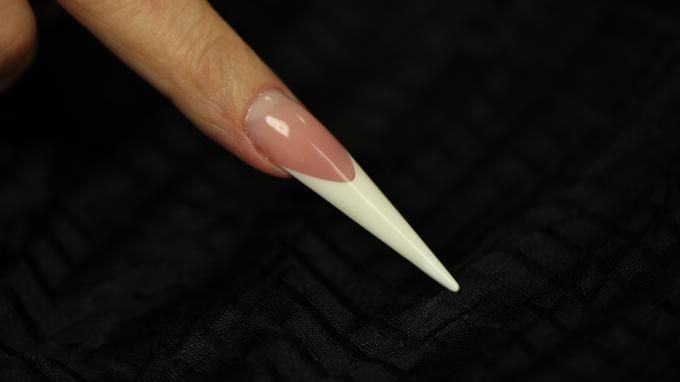 Stiletto nail with gel