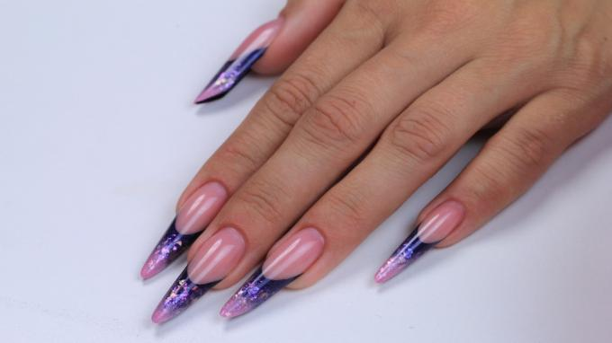 Sculpting Gothic Almond nail with acrylic, decorated with mica